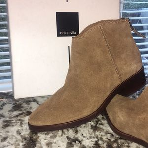 NWT✨ Dolce Vita Booties (Tucker Dark Saddle Suede)